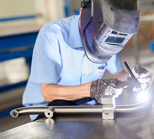 What should the gantry welding machine pay attention to when welding?
